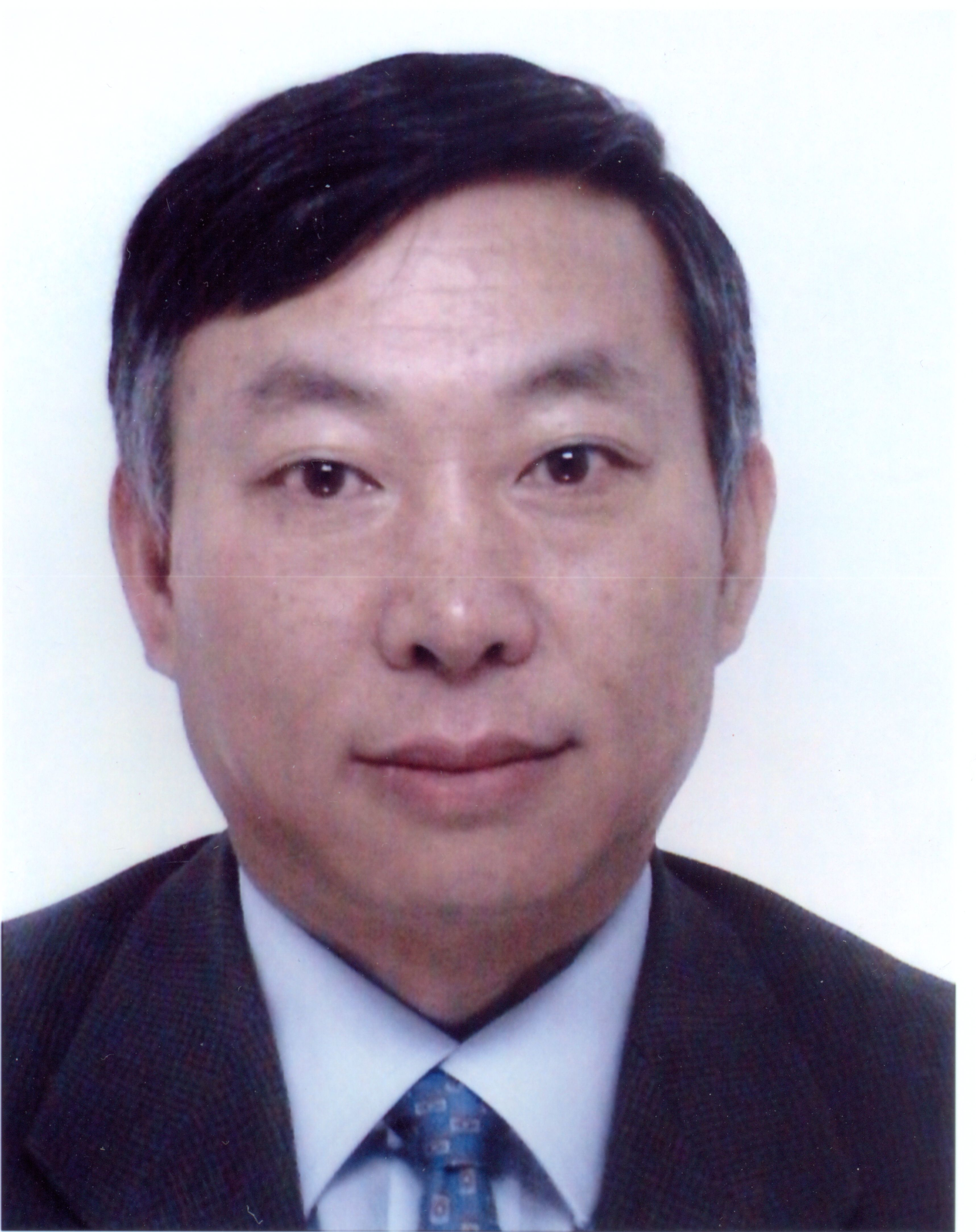 Photo of Dr Zhongwei Guan